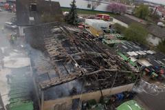 Halle vollständig ausgebrannt