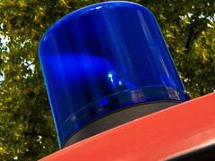 Feuerwehren suchen Person im Neckar